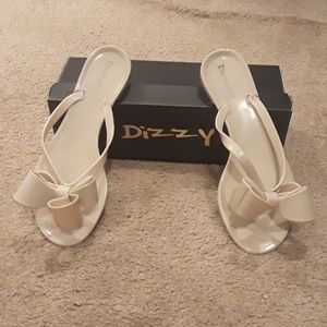 (3 for $20) Dizzy Beige Bow Sandals - size 6